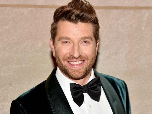 Brett Eldredge Confirms Second Christmas Album
