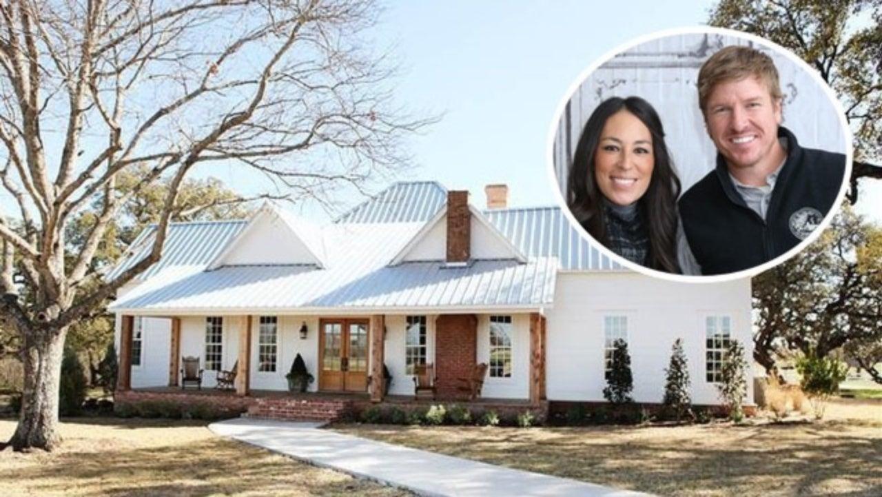 foto de Peek Inside Chip and Joanna Gaines' Cozy Texas Farmhouse