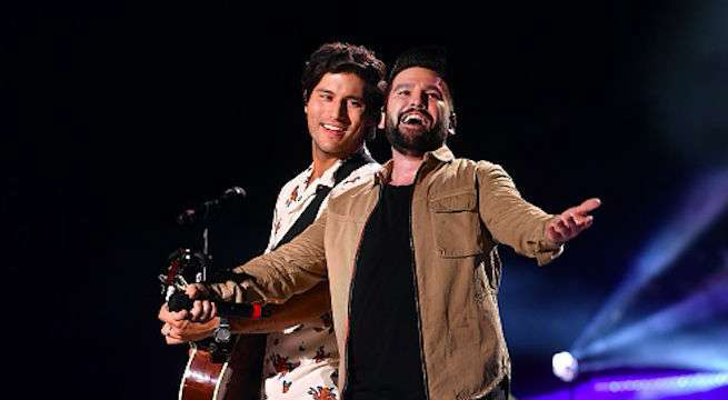 dan-and-shay-performing