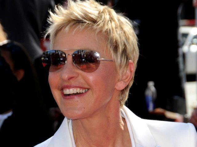 Ellen DeGeneres Sets First Standup Tour in 15 Years