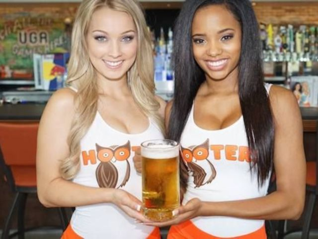 Hooters Expanding More Modest Spinoff Restaurant, Hoots