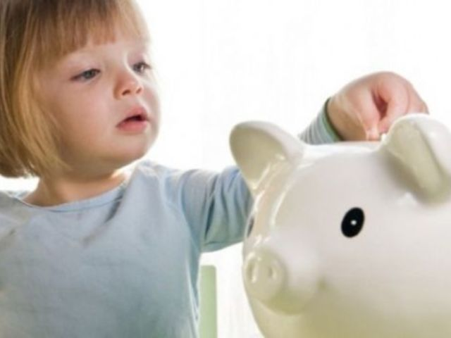 5 Money Lessons to Teach Your Kids Before the Age of 10