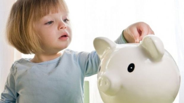 istock-child-piggy-bank
