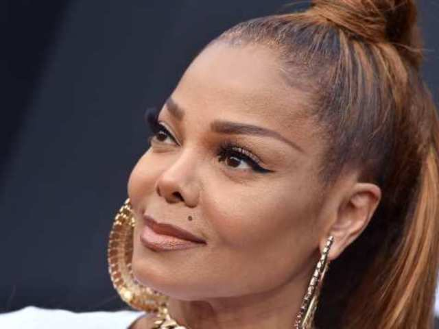 Janet Jackson Fights Back Tears During Tribute for Father Joe Jackson