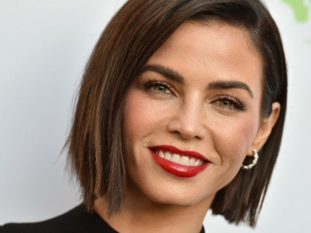 Jenna Dewan Attends Boyfriend Steve Kazee's 'Love Actually Live' With Her Mom