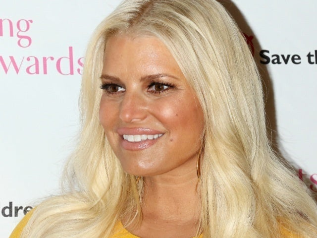 Jessica Simpson Jokes About Painful Pregnancy Side Effects With Her Own '10-Year Challenge'