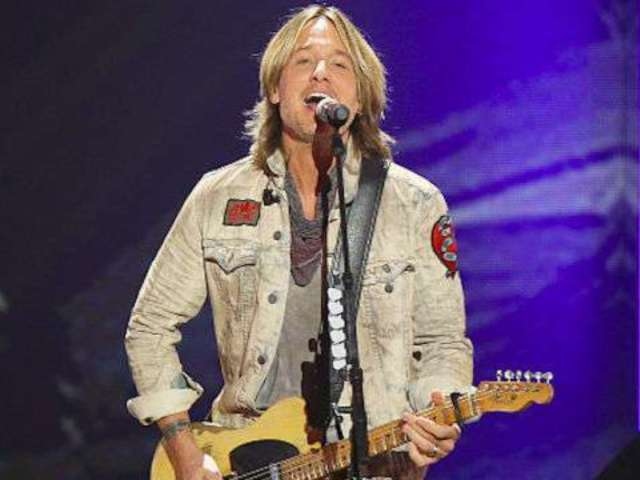 Watch Keith Urban Go Behind the Scenes With 'Never Comin' Down' Video