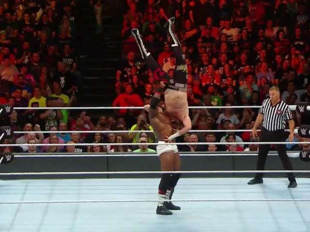 Bobby Lashley Dominates Sami Zayn at Money in the Bank