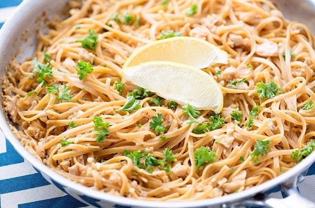 Linguine_With_White_Clam_Sauce-RESIZED-03-650x430