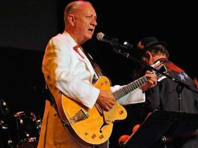 The Monkees Guitarist Michael Nesmith Rushed to Hospital, Tour Canceled