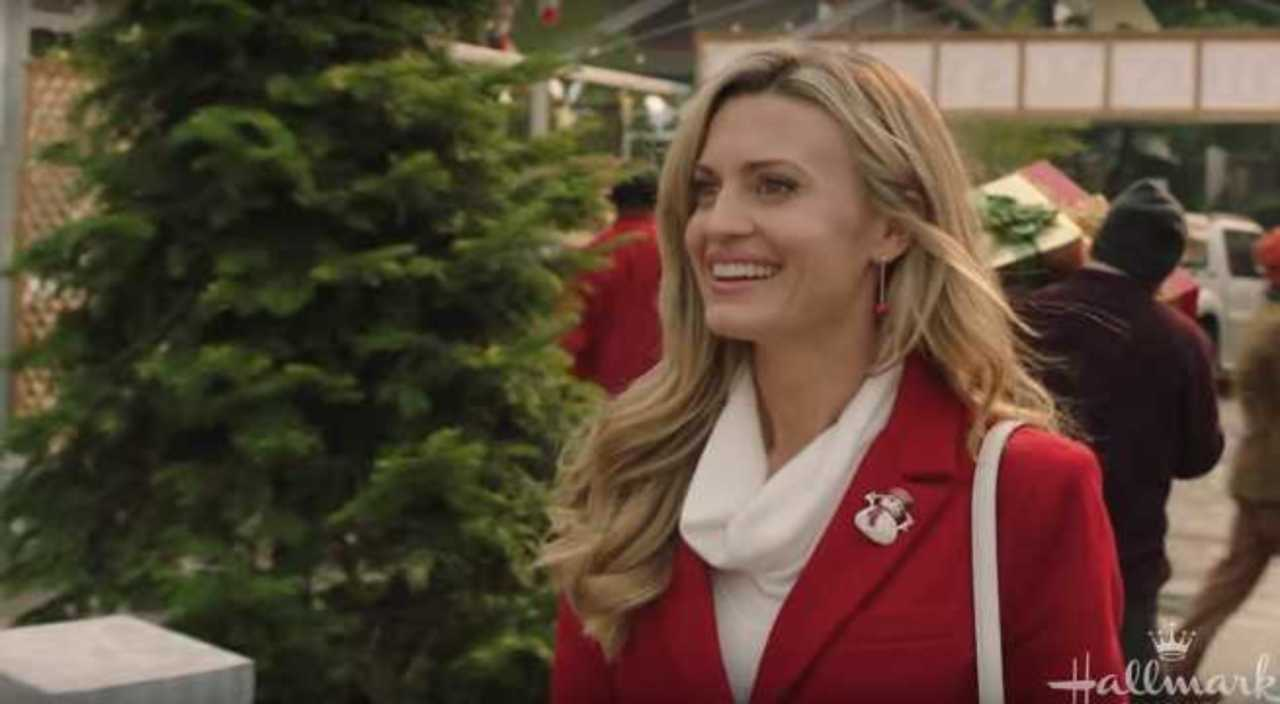 Hallmark Channel Reveals Christmas in July Movie Schedule