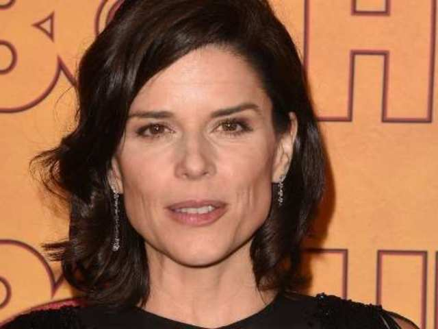 'House of Cards' Actress Neve Campbell Reveals She Recently Adopted Baby Boy