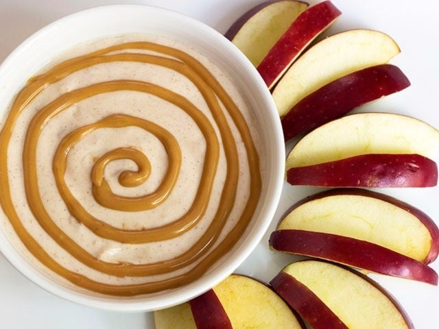 Recipe: PB Yogurt Dip and Apple Slices