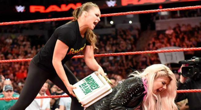 Ronda-Rousey-attacks-Alexa-Bliss