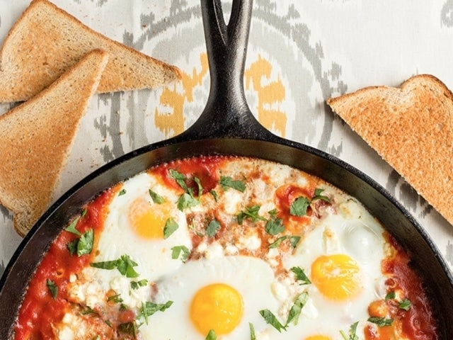 Recipe: Skillet Baked Eggs with Tomatoes and Chickpeas