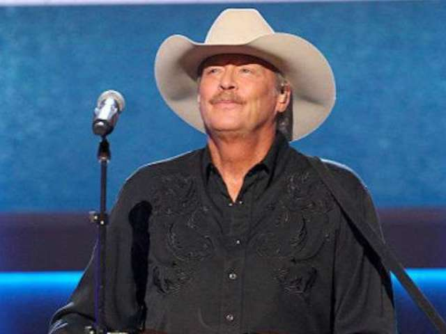 Alan Jackson Reveals 'Traditional' Christmas Plans