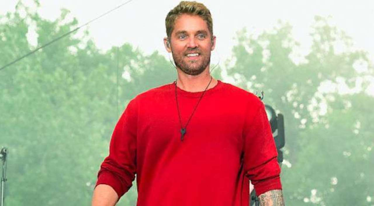 Brett Young S Mercy Lands At No 1