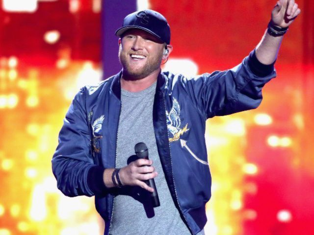Cole Swindell Earns High Praise from Scotty McCreery, Mitchell Tenpenny
