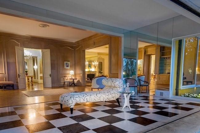 elvis-presley-bel-air-house-sitting-room
