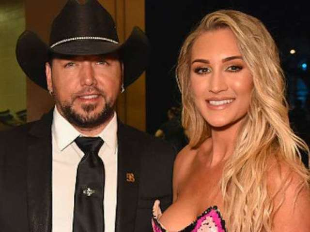 Jason Aldean Celebrates the New Year With His Family at the Beach