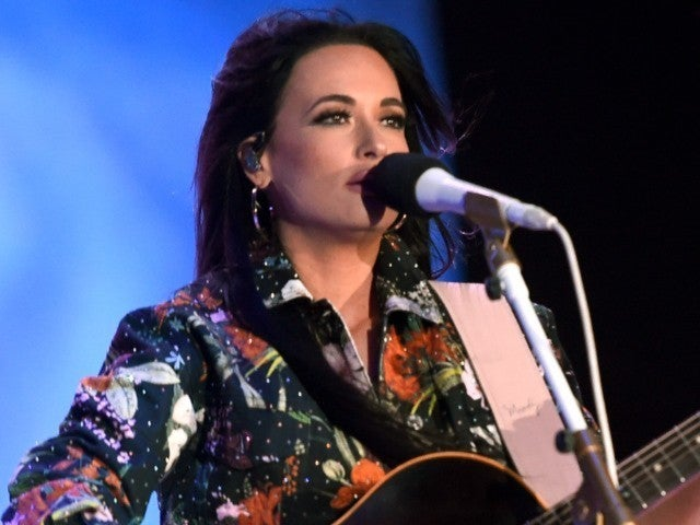 Kacey Musgraves Opens up About Influence of Loretta Lynn and Dolly Parton