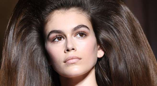 kaia gerber big hair crop