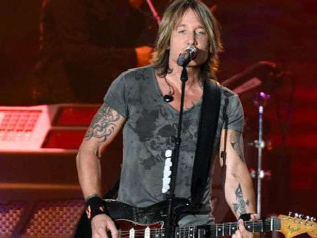 Keith Urban Enjoys Mixing Rock and Roll in With His Country Music