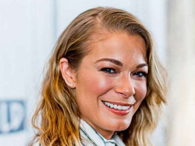 LeAnn Rimes' Dog Dies Following Vicious Coyote Attack