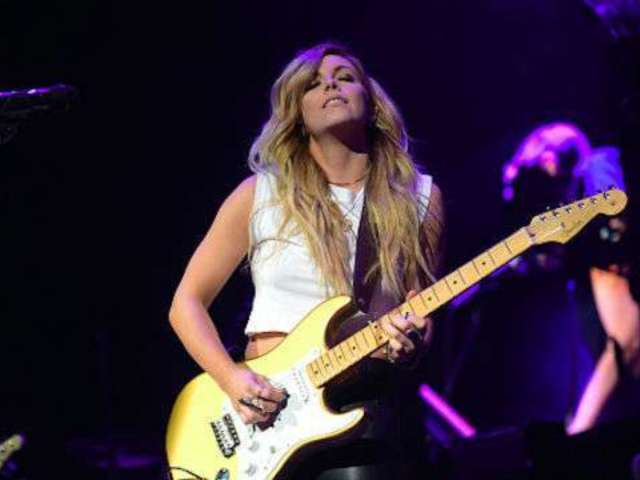 Lindsay Ell Added to CRS New Faces of Country Music Class of 2019