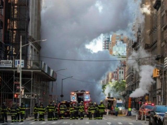 Manhattan Steam Pipe Blast Opens Crater in New York City
