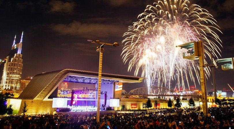 nashville-fireworks-visitmusiccity