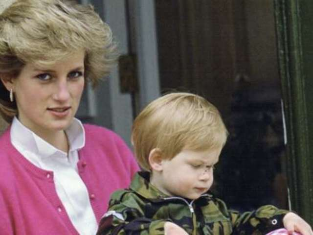 Royal Family Reportedly 'Furious' Over Thomas Markle's Comments About Princess Diana
