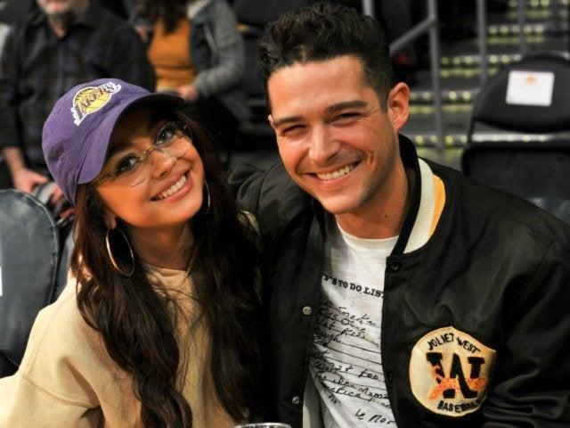 Wells Adams Gushes About 'Modern Family' Star Girlfriend Sarah Hyland: 'It's Not Hard to Love Her'