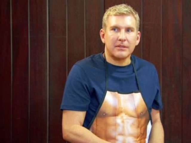 'Chrisley Knows Best' Guys Forced to Defend Their Manhood During Rustic Vacation