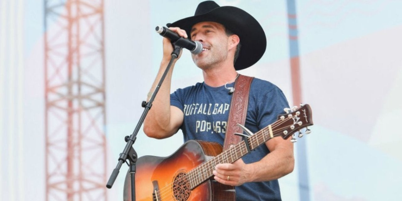 Aaron Watson Opens up About Family Christmas Album