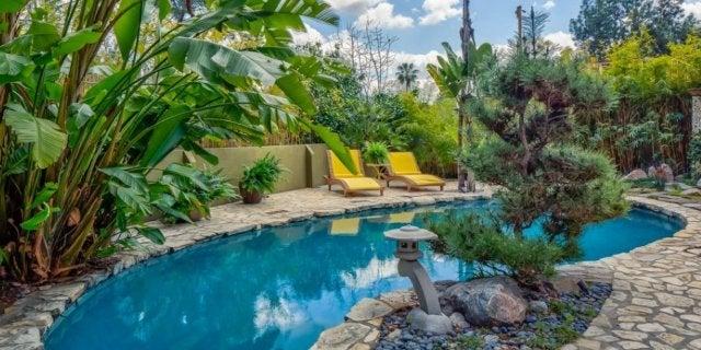 anna-faris-home-pool-Core-Real-Estate-Group