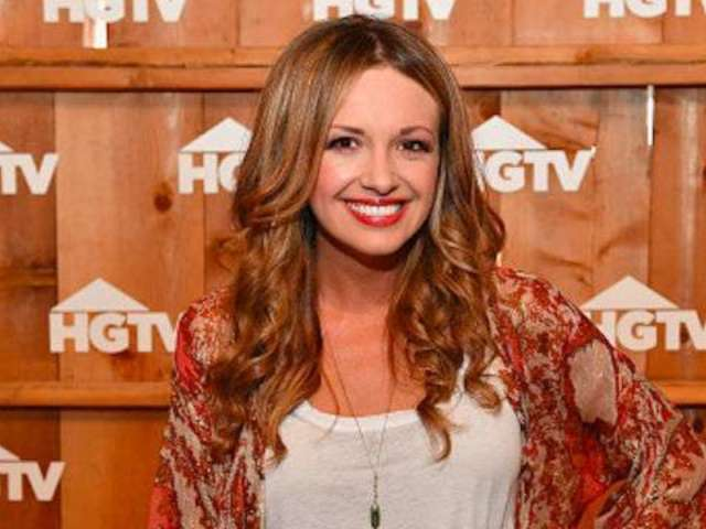 Carly Pearce Reveals She 'Blacked Out' During First Kiss With Michael Ray