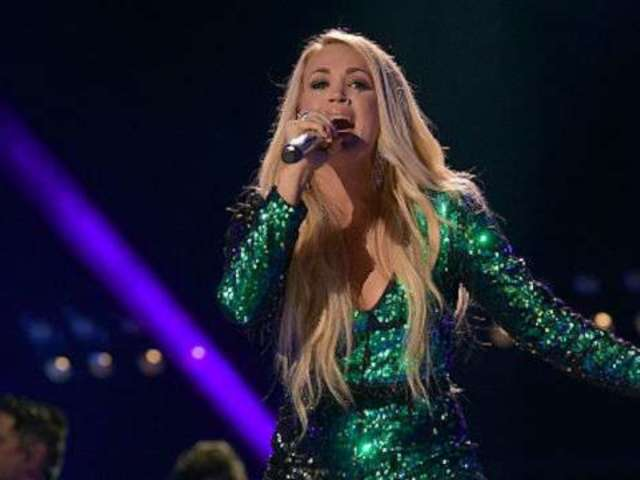 Carrie Underwood Shares Photos From Cry Pretty Tour 360 Opening Night