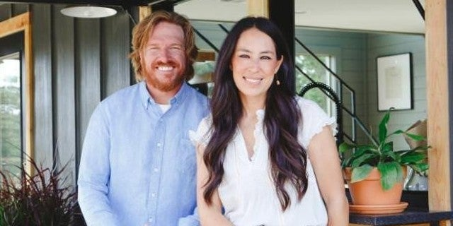 chip-joanna-gaines-hgtv-discovery-01