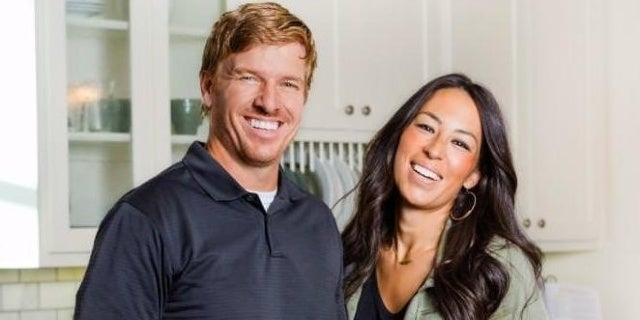 chip-joanna-gaines-hgtv-discovery-02