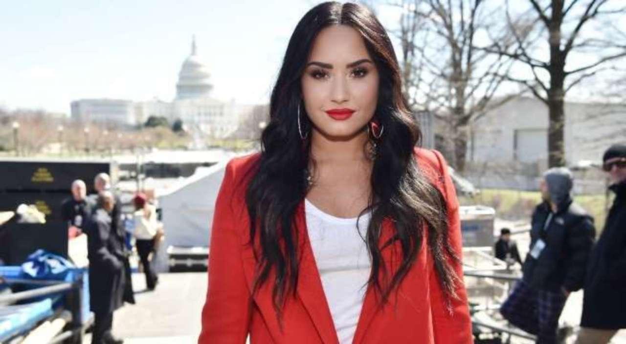 9294fc250 Demi Lovato Reveals New Tattoo Celebrating Sobriety