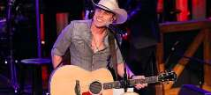 Dustin Lynch Overwhelmed by Invitation to Join Grand Ole Opry