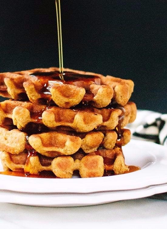 healthy-gluten-free-pumpkin-spice-waffles-recipe