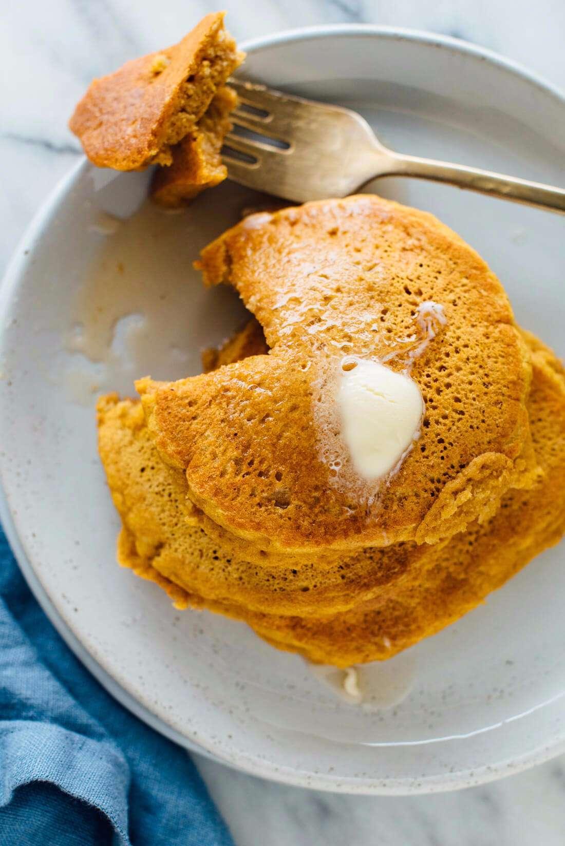 healthy-pumpkin-pancakes-recipe-3