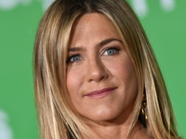 Jennifer Aniston Calls Dolly Parton 'Magic' in 'Dumplin' Film