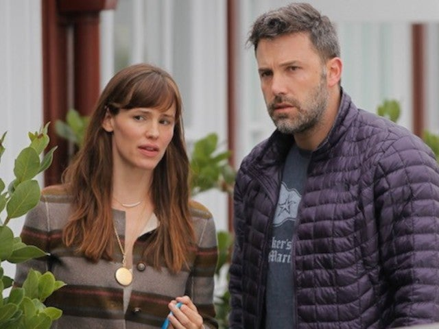 Ben Affleck and Jennifer Garner Reunite for Thanksgiving Getaway