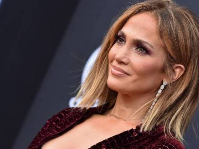 MTV VMAs 2018: Jennifer Lopez Dazzles Viewers With Epic Vanguard Performance