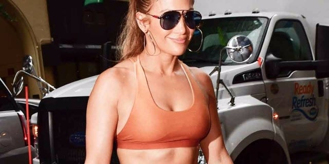jlo-getty-James-Devaney-960