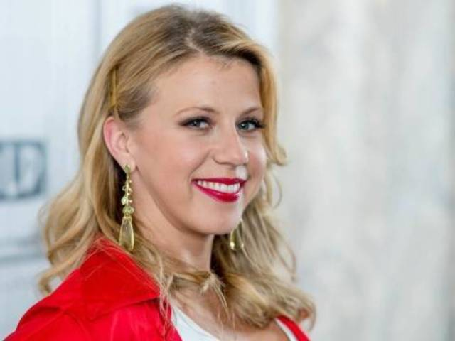 Jodie Sweetin Responds to Fan's Accusation of Inappropriate Relationship With 'Uncle' John Stamos