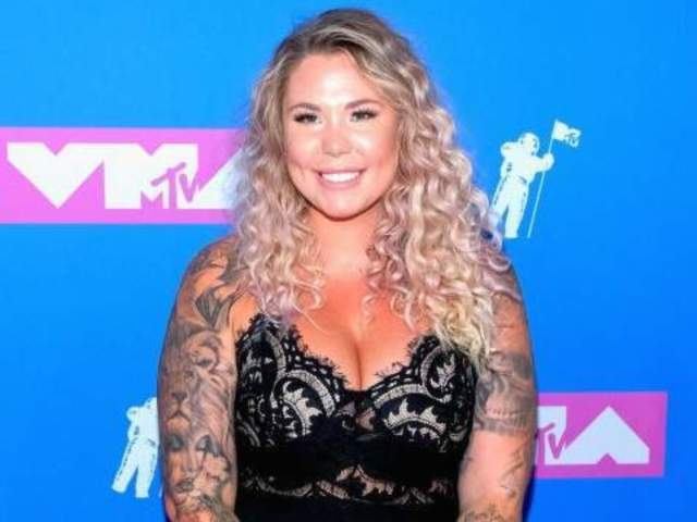'Teen Mom 2' Star Kailyn Lowry Gets Stuck in Snow During Iceland Trip Amid Pregnancy